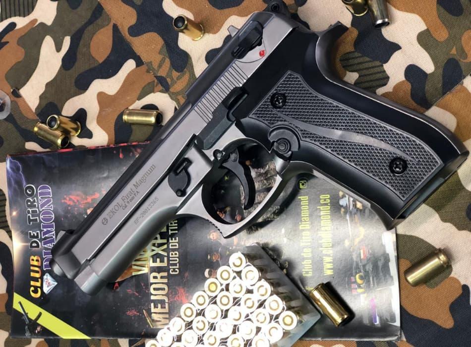 EKOL FIRAT MAGNUM pistola traumática